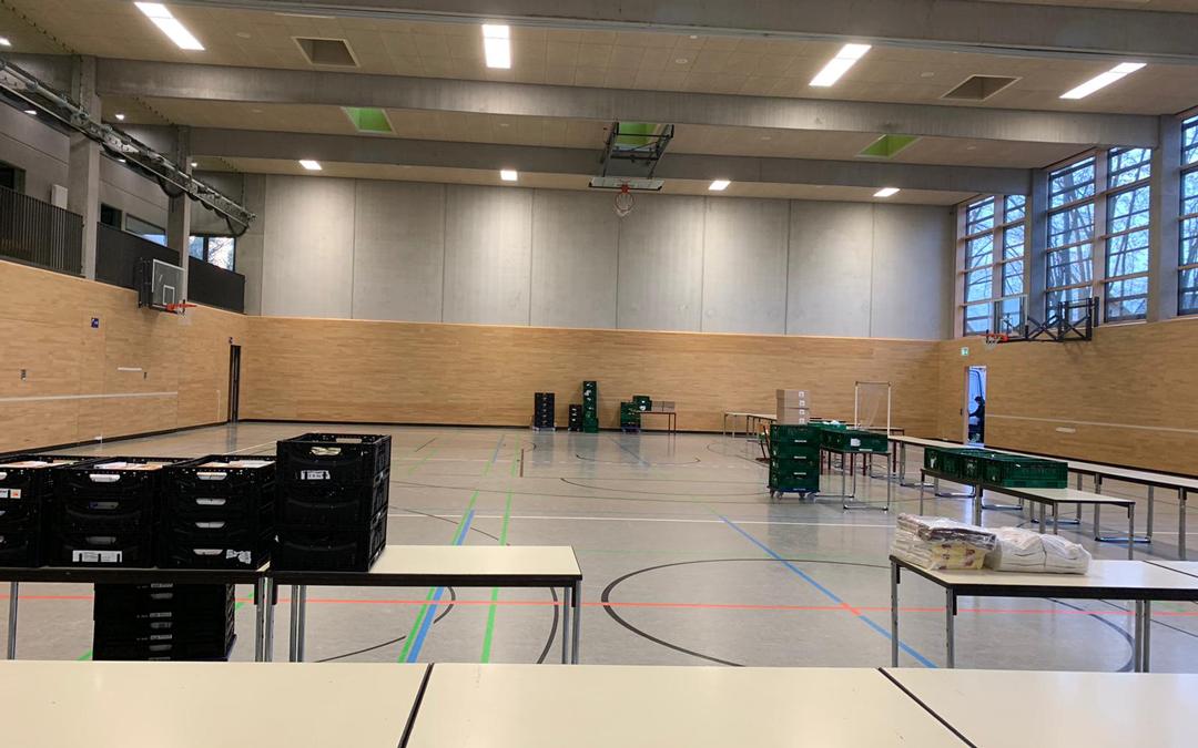 Sporthalle im Staufer-Schulzentrum wird eingerichtet